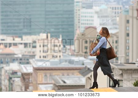Stylish Woman Carrying Groceries Crosses Scenic San Francisco Street