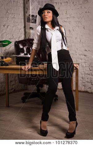 Retro Detective Girl