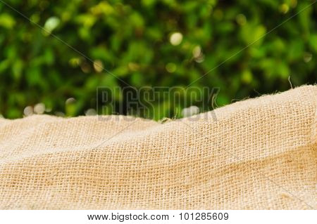 Thin Focus Brown Ramie Sac With Green Leaf