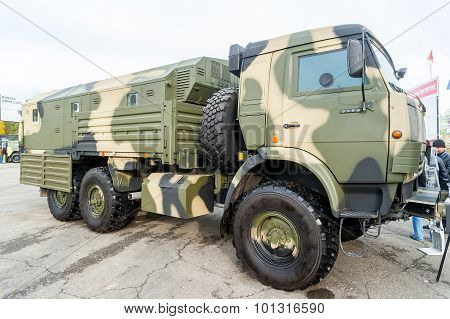 Truck KAMAZ-5350 on demonstration range