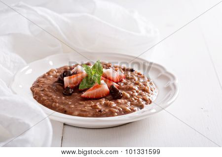Chocolate strawberry risotto with vanilla
