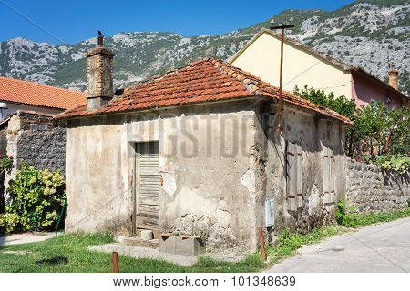 Old Houses And Facades In The Old Town Of Risan, Montenegro
