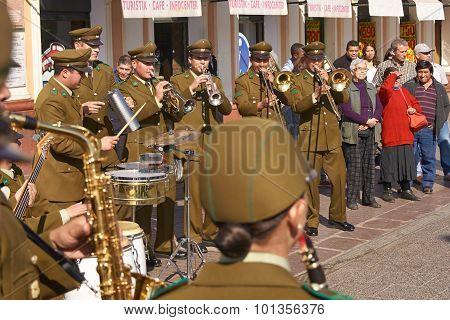 Carabinero Street Music