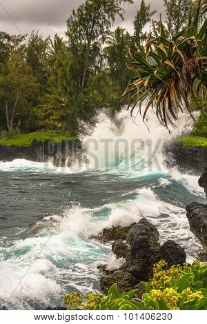 Waves crashing on the rocks, Maui, Hawaii