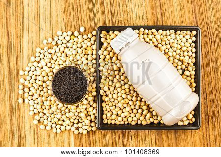 Soybean And Soybean Milk With Black Sesame