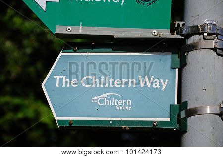 The Chiltern Way sign.