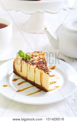 Cheesecake With Caramel Drizzle
