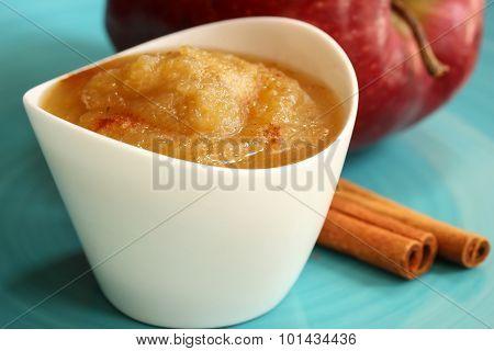 Apple sauce with cinnamon