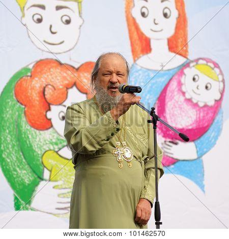 Orel, Russia - September 13, 2015: Orthodox Church Family Day. Metropolitan Antony Speaking In Micro
