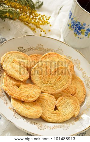 Palmeras - sweet puff pastry. Heart shaped cookies with sugar