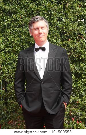 vLOS ANGELES - SEP 12:  Chris Parnell at the Primetime Creative Emmy Awards Arrivals at the Microsoft Theater on September 12, 2015 in Los Angeles, CA