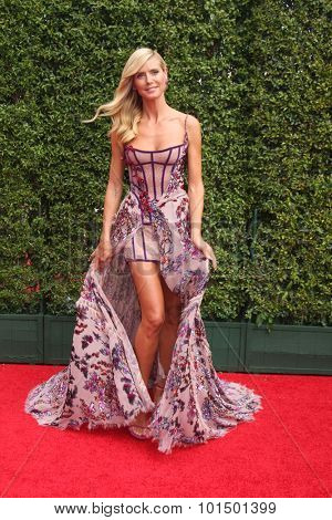 LOS ANGELES - SEP 12:  Heidi Klum at the Primetime Creative Emmy Awards Arrivals at the Microsoft Theater on September 12, 2015 in Los Angeles, CA