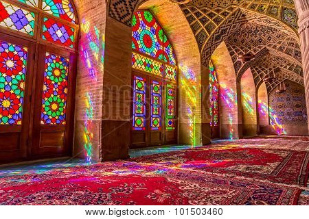 Nasir Al-Mulk Mosque praying room atmosphere