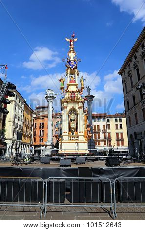Vicenza, Vi, Italy - 12Th September, 2015. Festival With Old Merry-go-round Called La Rua