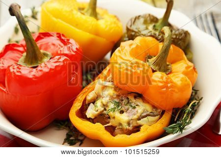 Red peppers stuffed with meat