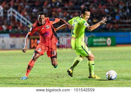 Sisaket Thailand-september 12: Adefolarin Durosinmi Of Sisaket Fc. (orange) In Action During Thai Pr