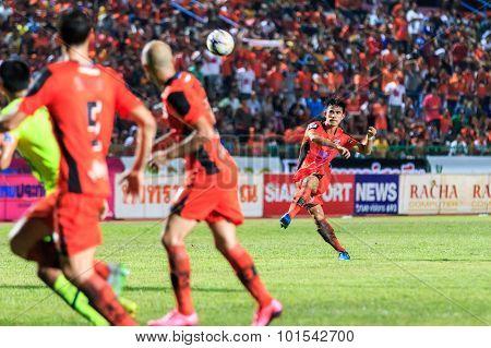 Sisaket Thailand-september 12: Chompoo Sangpo Of Sisaket Fc. (orange) Shooting Ball During Thai Prem