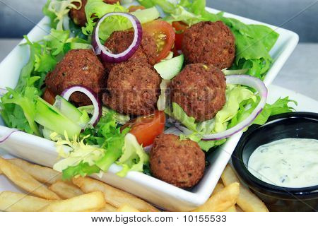 FALAFEL ON SALAD