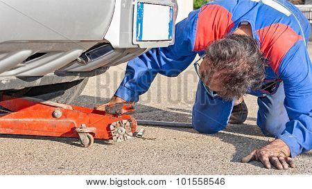 mechanician