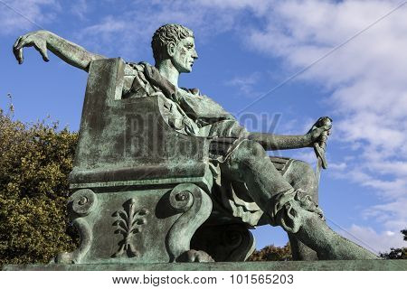 Constantine The Great Statue In York
