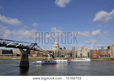 St Paul's and Millennium Bridge