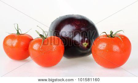 Tomatoes and aubergine