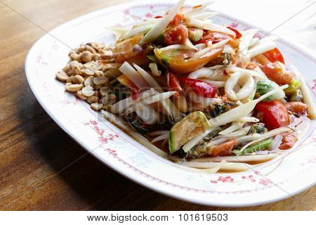 Spicy Papaya Salad With Seafood