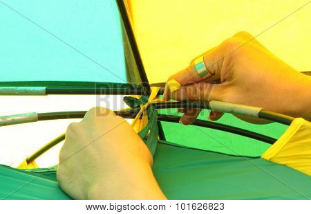 Tied the tent rope with tent pole