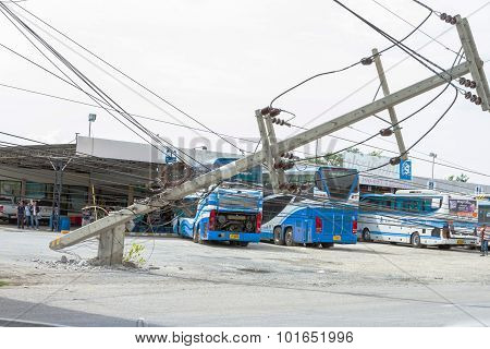 Mueng, Phuket/thailand Aug 2015: Traffic Turbulence Caused By Electricity Pole Damage On Street Due