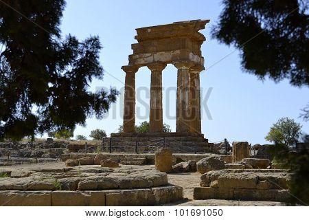 Glimpse of columns