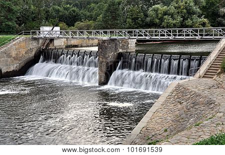 sluice, river Svratka, Czech Republic, Europe