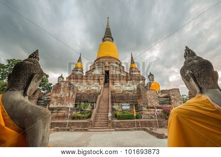 Old Temple At Wat Yai Chai Mongkol