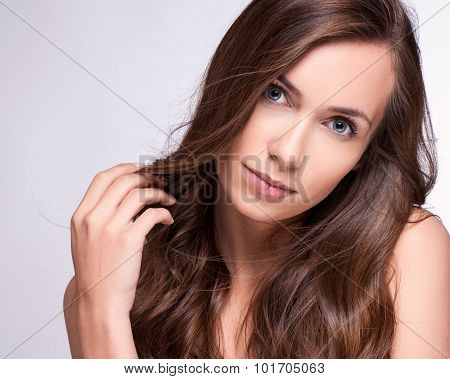 Fashion Model Girl Portrait With Long Blowing Hair. Glamour Beautiful Woman With Healthy And Beauty