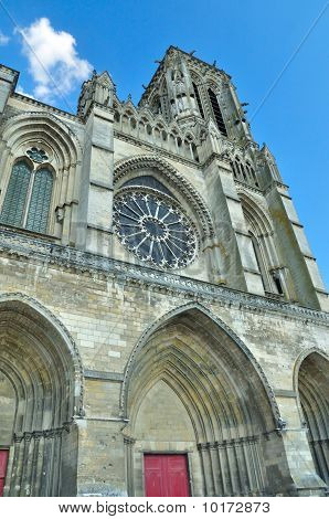 Frontal view of Soissons cathedral