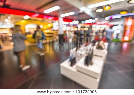 Shopping at airport