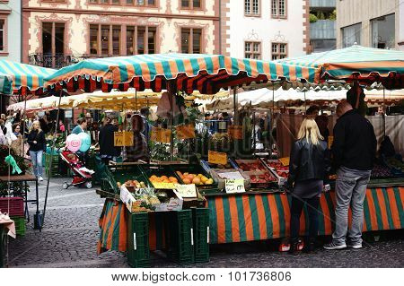 Weekly market Mainz
