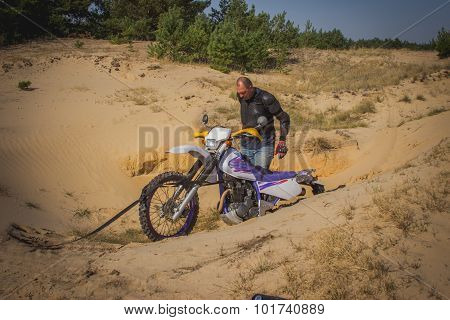 Enduro motorcycle racing .
