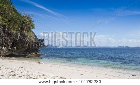 beautiful beaches and azure ocean in the Philippines