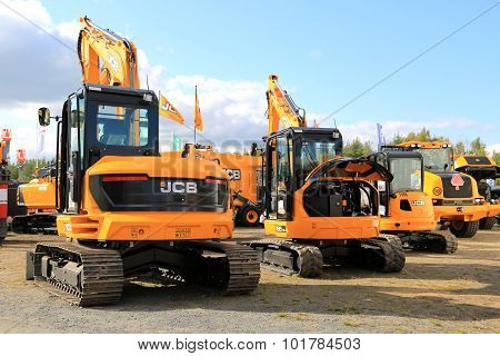 JCB Crawler Excavators On Display