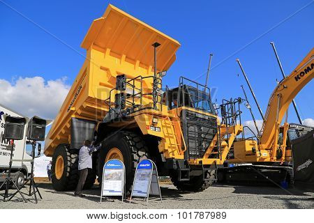 Komatsu HD605 Rigid Dump Truck On Test