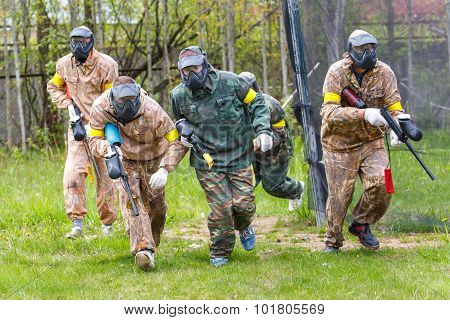 Group Of Sportsmen On Start Of Paintball Mission