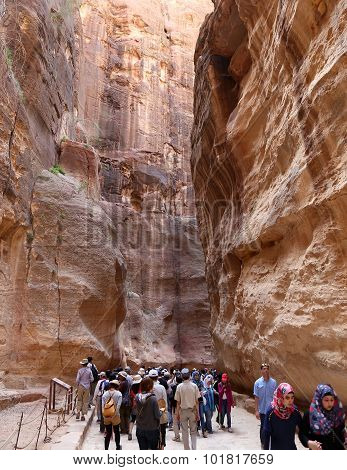 The 1.2Km Long Path (siq)  To The City Of Petra, Jordan