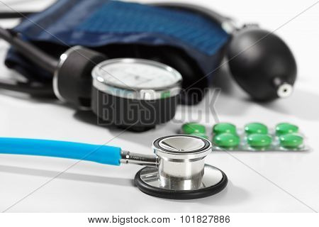 Phonendoscope And Pill