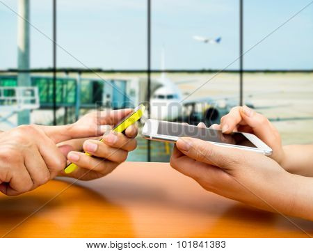 Connecting Our Smartphones At The Airport