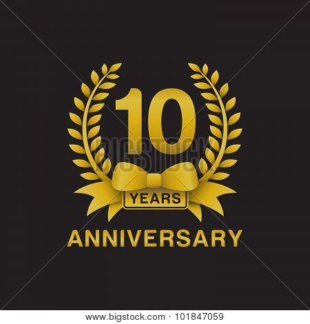 10th anniversary golden wreath logo black background