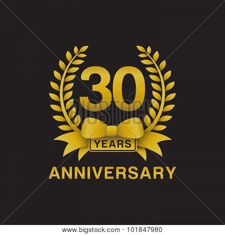 30th anniversary golden wreath logo black background