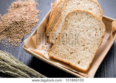 Whole Wheat Bread Slice / Whole Wheat Bread / Whole Wheat Bread On Black Background