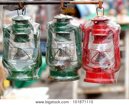 Vintage Kerosene Lanterns For Sale