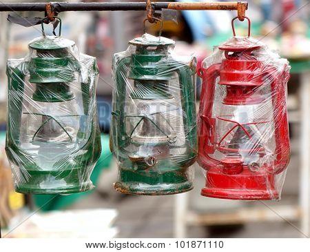 Vintage Kerosene Lanterns For Sale