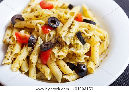 Penne With Cherry Tomatos And Black Olives